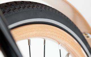 Die Holzfelgen des Wooden Racer von Flitzbike sind handgefertigt.