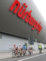 Beim 24-Stunden-Rennen der Aktion Rad am Ring konnten erstmals auch E-Biker ihr Können unter Beweis stellen.