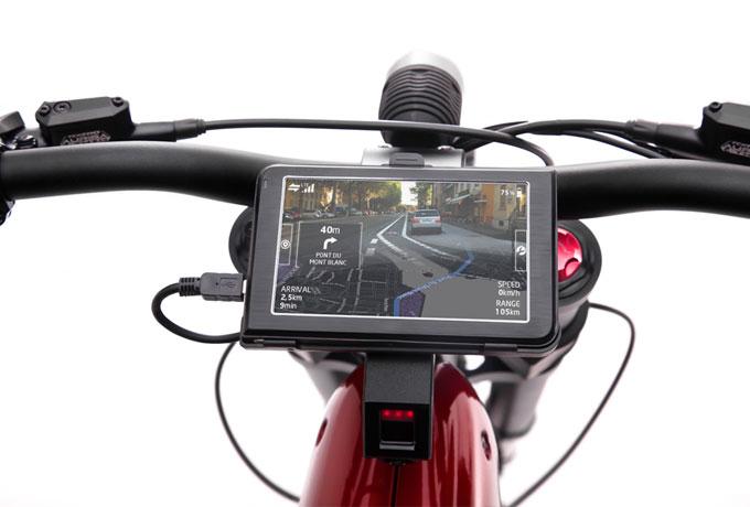 Der Fahrrad-Computer mit Fünf-Zoll-Touchscreen am E-BIQE con Qoros bietet viele hilfreiche Funktionen.