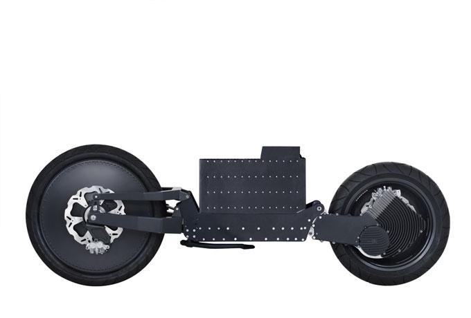 Bei Johammer wird der Elektromotor nicht einfach in ein herkömmliches Motorradkonzept eingebaut. Mit der geraden Verbindung zwischen den Achsen ist man ebenfalls völlig neue Wege gegangen.