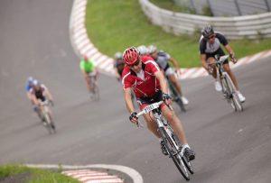 """90 Kurven auf der """"E-Bike-Strecke"""" gestalten das Rennen abwechslungsreich."""