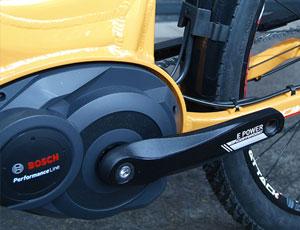 Der Mittelmotor von Bosch gehört zu den beliebtesten E-Bike Motoren.