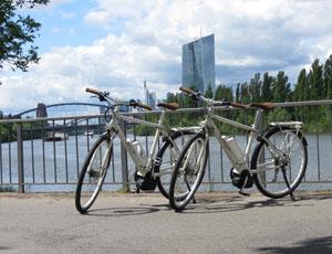 Falls während Eurer Tour der E-Bike Akku schlapp macht, könnt Ihr eine der Ladestationen am Main aufsuchen.