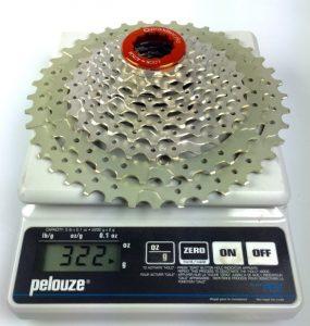 Die Praxis Works Wide Range Kassette mit Ritzeln aus anodisiertem Aluminium bringt nicht sehr viel Gewicht auf die Waage.