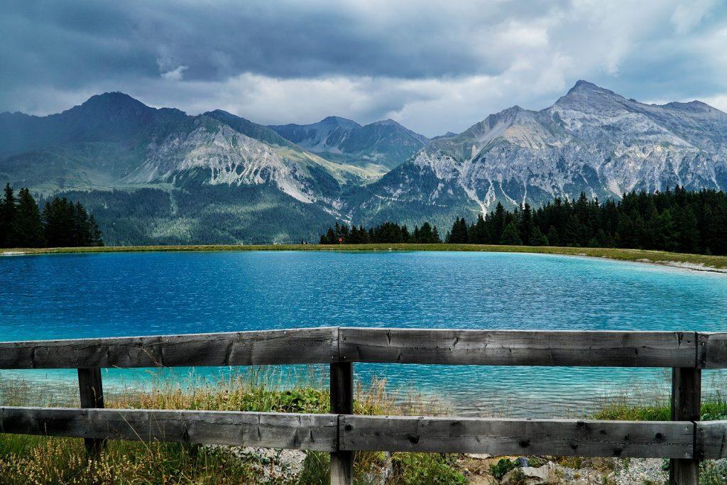 Neben E- Bike die Landschaft erkunden, bietet der Bayrische Wald mit seinen Seen und Bergen auch noch viele ander Möglichkeiten der Freizeitgestaltung