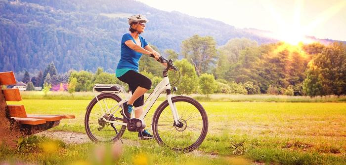 Mit dem E- Bike schafft man auch die Berge im Bayrischen Wald ohne außer Puste zu sein
