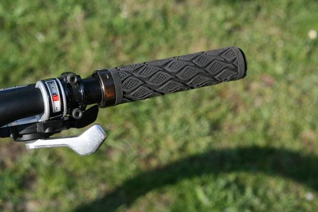 Nach häufigem Gebrauch kann sich ein Shimano Schalthebel 7 fach abnutzen, was sich im defekten Schalthebel zeigt.