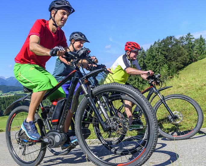 """Für Herren, die auf das """"echte"""" Elektro Fahrrad- und Mountainbike-Feeling mit Stange nicht verzichten wollen, ist der Tiefeinsteiger daher weniger geeignet. (#01)"""