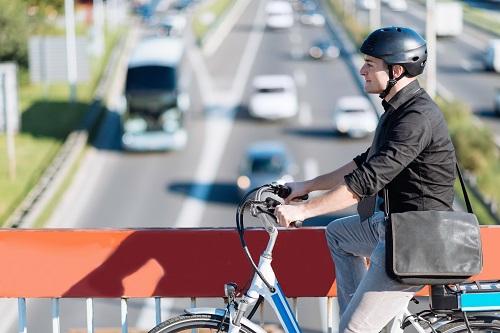 Damit das E-Bike von der Steuer abgesetzt werden kann, muss es als ein Dienstfahrzeug gekauft werden. Das mag erst einmal komisch klingen. (#01)