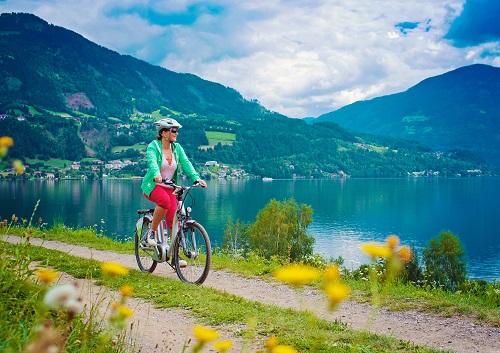 E-Bikes bei der Steuer abzusetzen. geht somit - allerdings nur dann, wenn sie auch geschäftlich genutzt werden. Privat genutzte E-Bikes bleiben nach wie vor Privatvergnügen. (#06)
