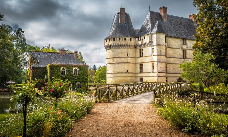 Im Loire-Tal befinden sich zudem die kulturhistorisch wichtigsten Schlösser Frankreichs - Chaumont, Blois und Chambord sind nur einige davon. Die Radtour dauert 8 Tage und 7 Nächte und umfasst insgesamt etwa 350 Kilometer. (#02)