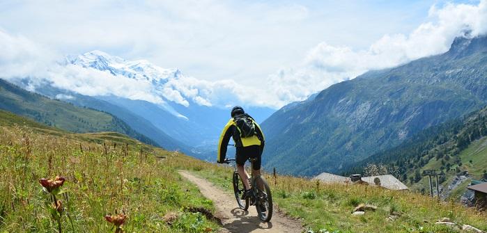 Radwege in Frankreich: Den Fahrradurlaub mit dem E-Bike planenRadwege in Frankreich: Den Fahrradurlaub mit dem E-Bike planen
