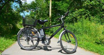 Auf die Dauer hilft nur Power: Vom Siegeszug von E-Bikes, Pedelecs & Co