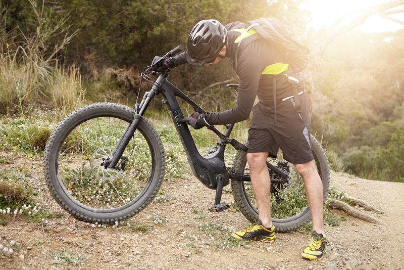 Ein E-Mountainbike mit einer Reichweite von 50 bis 80 Kilometer kostet pro Tag 35 Euro.(#01)