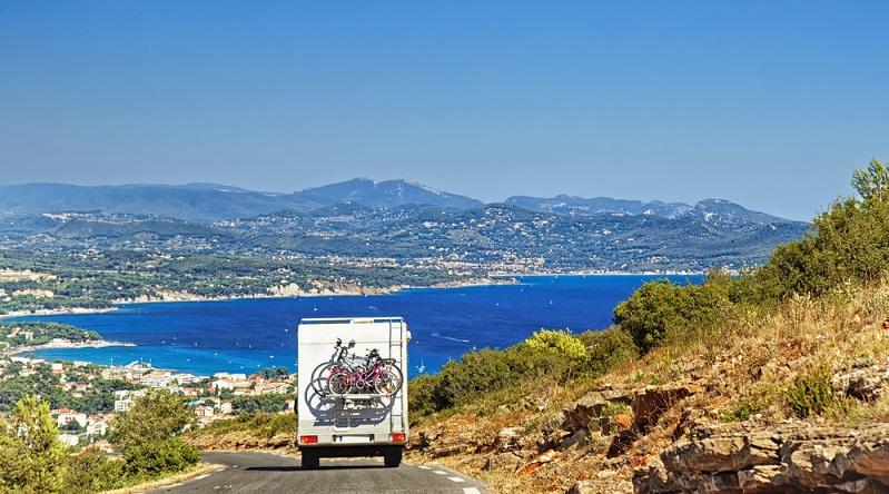 Für Fahrradfahrer, die dagegen lieber die Provence erkunden wollen, gibt es auch tolle Radwege, die man in Frankreich buchen kann. (#03)