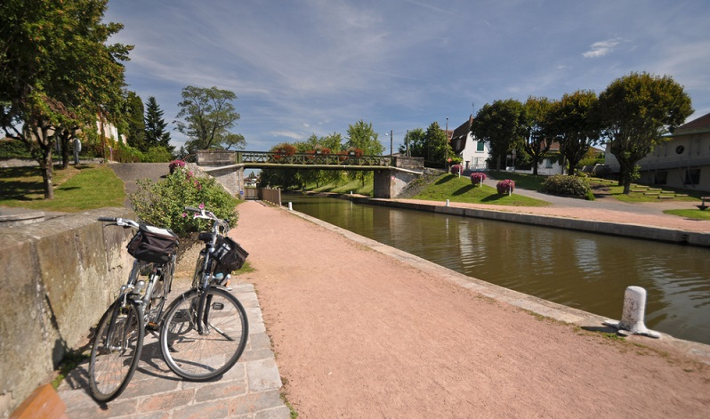 Im Gegensatz zu manch anderen Radwegen an der Loire entlang oder durch die Provence, findet man bei den Voies Vertes keine Autos auf der Straße. (#01)