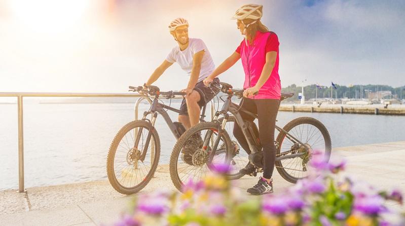 Wer vor der Diagnose Multiple Sklerose einen Freundeskreis hatte, in dem Sport eine große Rolle spielt, auch für den kann ein E-Bike eine große Erleichterung dabei sein, den gewohnten Alltag so gut wie möglich beizubehalten. (#02)