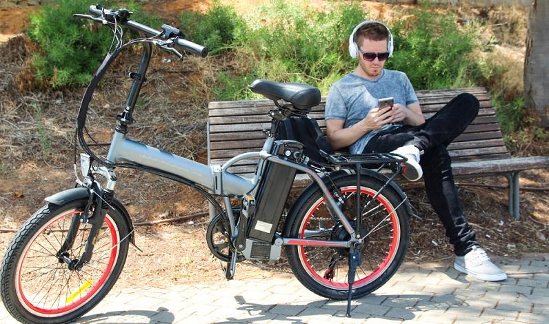 Die Frage, wie stark der Akku sein soll, richtet sich nach der vorwiegenden Nutzung des Fahrrads. Wenn man relativ viel Rad fährt, sollte der Akku dementsprechend viel Kapazität haben. (#03)