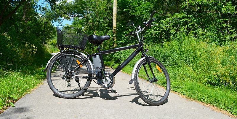 Geht es um die Bewertung von E-Bikes, sollten bestimmte Kriterien zur Auswahl herangezogen werden. (#02)