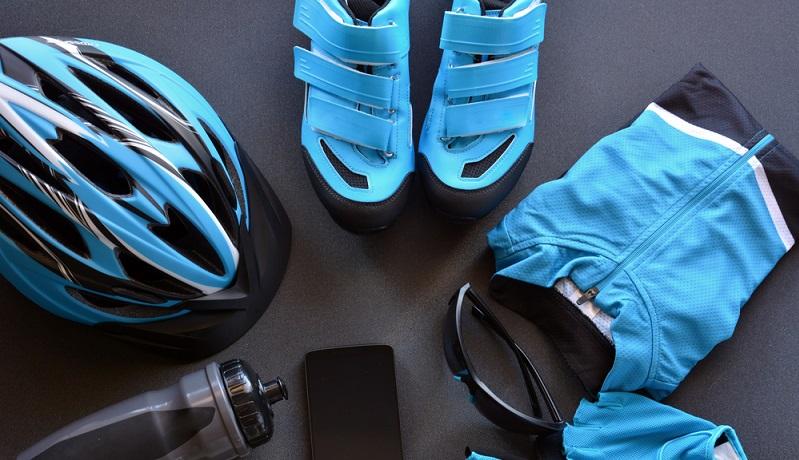 Auch wenn Helme bei normalen Pedelecs keine Pflicht sind, stellen sie trotzdem eine gute Idee dar. (#01)