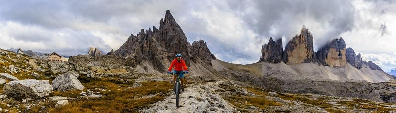 Als Radler zweiter Klasse muss sich mit dem E-Bike niemand fühlen. Denn in den Bergen ist eine Tour selbst mit der Unterstützung des Motors durchaus eine sportliche Angelegenheit.