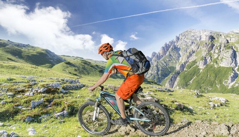 Ein Urlaub mit dem E-Bike bringt zahlreiche Vorteile mit sich. Niemand muss sich mehr vor Überforderung und Muskelkater am nächsten Tag fürchten. (#01)