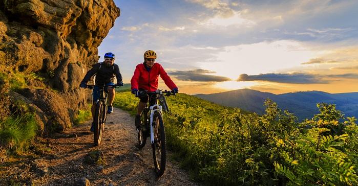 Österreich ist schon lange kein Geheimtipp mehr für Ferien mit dem Elektrofahrrad. Wer richtig hoch hinaus möchte, sollte mit dem E-Bike nach Tirol. (#04)