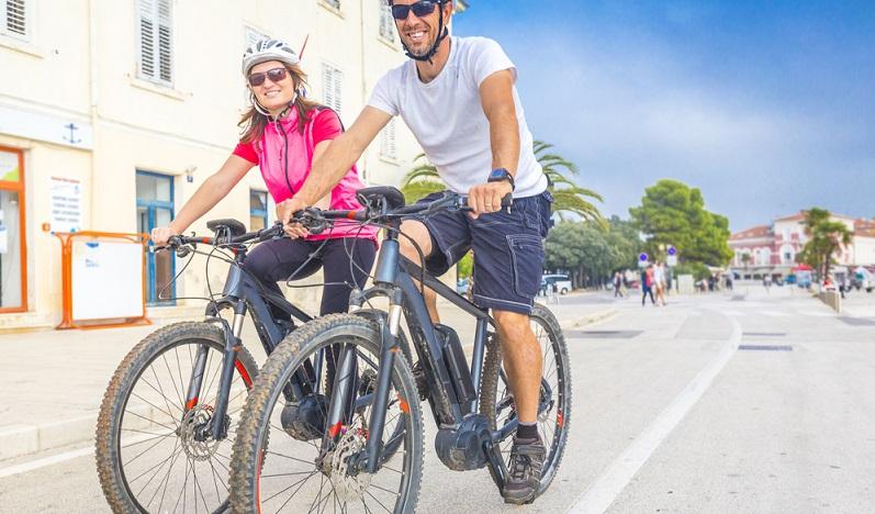 Ob man einen Führerschein für sein E-Bike benötigt, hängt von der Stärke des Elektromotors ab. (#1)