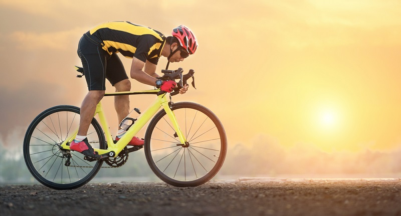 Ein Rennrad ist dafür gemacht, schnell unterwegs zu sein und wer gern ein Stück durch das Gelände fährt, ist damit schlecht beraten.
